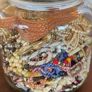 Lot # 135 - Costume jewelry