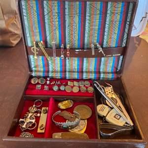Lot # 136 - Men's jewelry box & personal goods