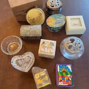 Lot # 145 - Trinket boxes