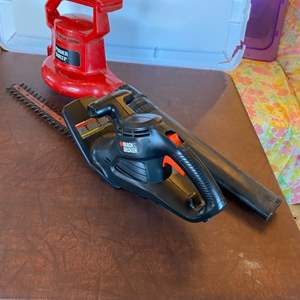 Lot # 161 - Electric Toro Power Sweep and electric Black & Decker hedge trimmer