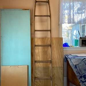 Lot # 167 - Wood ladder, great decor