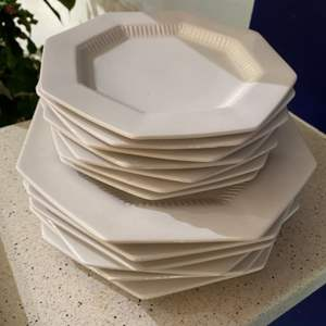 Lot # 184 -  Castelton dishes with service items