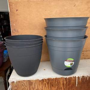 Lot # 186 - 3 New self watering plant containers