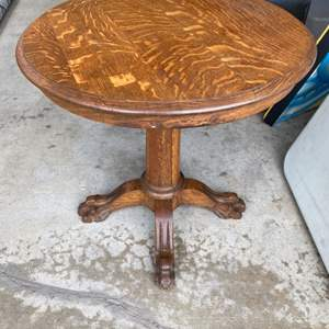 Lot # 195 - Antique end table