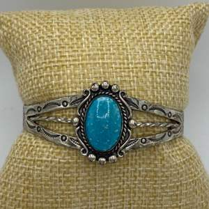 Lot # 3 - Sterling and turquoise bracelet (16.7g total weight)