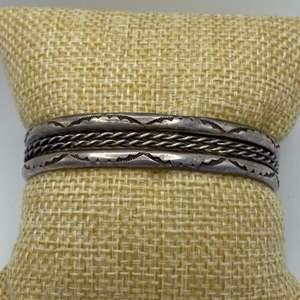 Lot # 8 - Silver bracelet (22.7g)