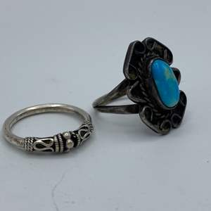 Lot # 11 - Two silver rings one with turquoise (6.1g total weight)
