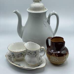 Lot # 119 - Coffee service items