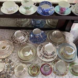 Lot # 128 - Vintage tea cup collection