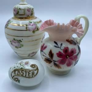 Lot # 130 - Vintage milk glass pieces