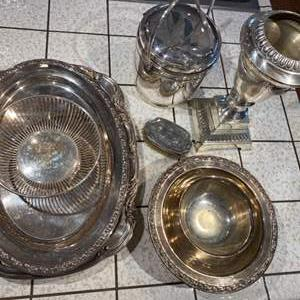 Lot # 131 - Silverplate items