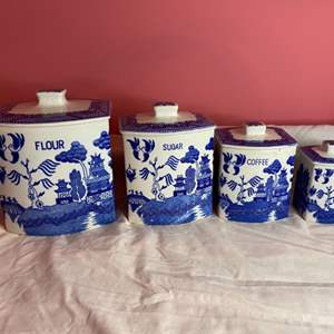 Lot # 175 - Vintage Blue Willow canister set of 4