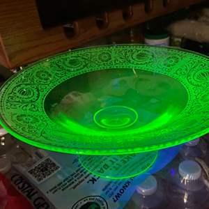 Lot # 206 - Uranium ware footed bowl