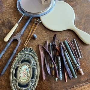 Lot # 235 - Antique personal care items