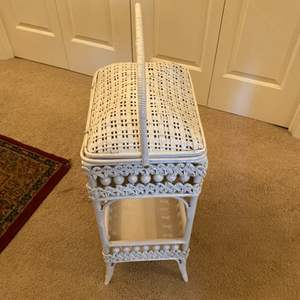 Lot # 276 - Vintage sewing box