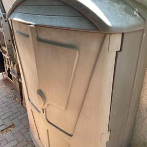 Lot # 287 - Storage shed (contents not included)