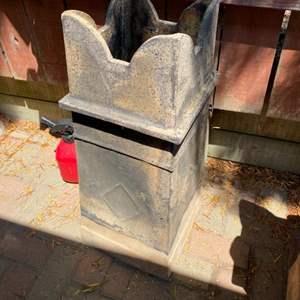 Lot # 290 - English chimney pot