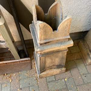 Lot # 292  - English chimney pot