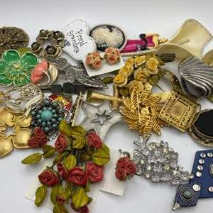 Lot # 321 - Vintage pins and brooches