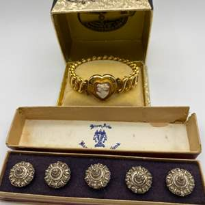 Lot # 322 - WWII Briggs Carmen cameo bracelet and a set of Siam silver buttons