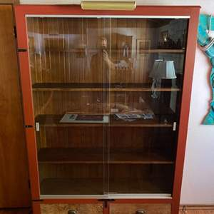 Lot # 133 - Large mid century display cabinet