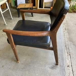 Lot # 184 - Kosuga mid century modern arm chair