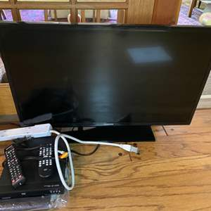 """Lot # 195 - Samsung 32"""" TV with DVD player"""