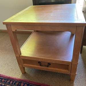 Lot # 231 - Hekman mid century end table