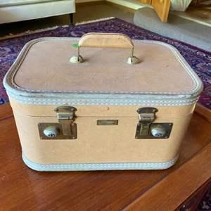 Lot # 265 - Vintage Train case