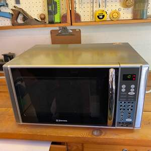 Lot # 42 - Emerson microwave oven