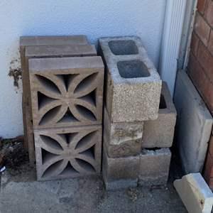 Lot # 73 - Assorted concrete blocks