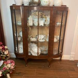Lot # 149 - China Cabinet (Contents not Included)
