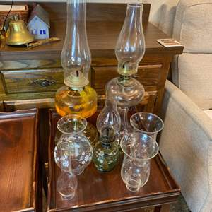 Lot # 185 - Assorted oil lamps