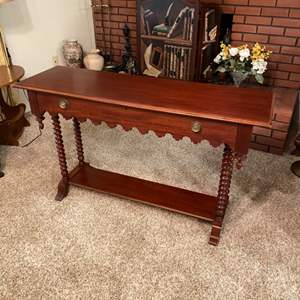Lot # 196 - Hall table with drawers