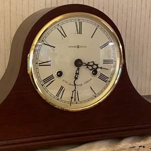 Lot # 199 - Howard Miller mantle clock