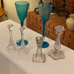 Lot # 200 - Glassware