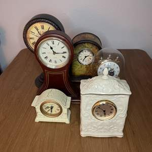 Lot # 207 - Collection of clocks