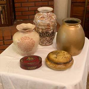 Lot # 223 - Vases and trinket boxes