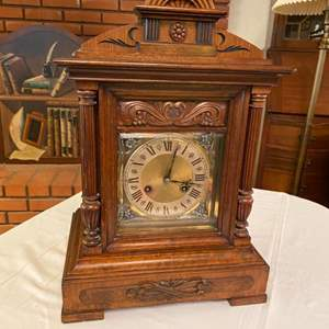 Lot # 226 - Mantel clock with chime and key