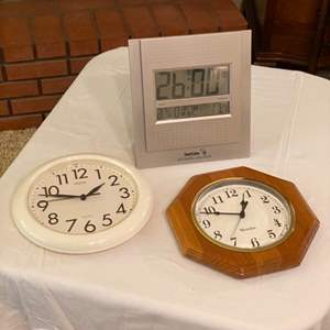 Lot # 227 - Three clocks
