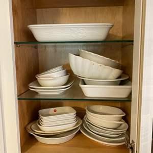 Lot # 254 - Vintage serving dishes