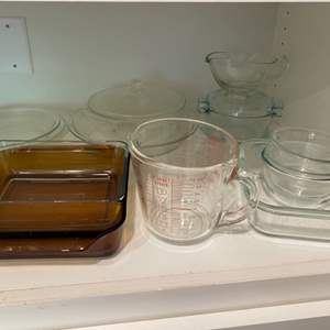 Lot # 260 - Pyrex and Anchor Hocking dishes