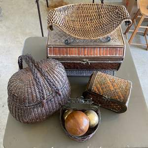 Lot # 290 - Baskets and Decor