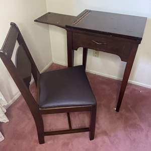 Lot # 366 - Sewing machine table with matching