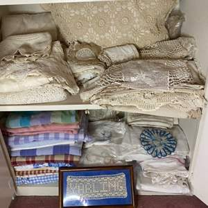 Lot # 384 - Vintage linens, doilies and tablecloth