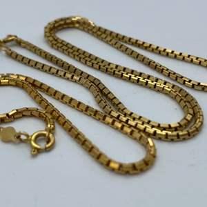 Lot # 7 - 14 karat gold necklace and matching bracelet (12.5g)