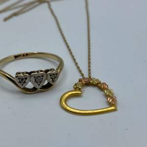 Lot # 16 - 10 karat gold necklace and ring with diamonds (2.7g total weight)