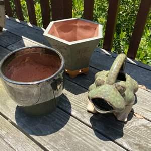 Lot # 80 - Ceramic frog and garden pots