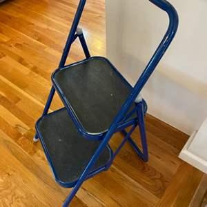 Lot # 95 - Step stool