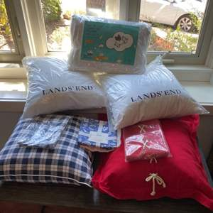 Lot # 195 - New pillows and shams